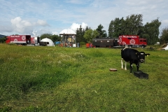Das-weisse-Zelt-auf-dem-Dornroeschen-Hof1